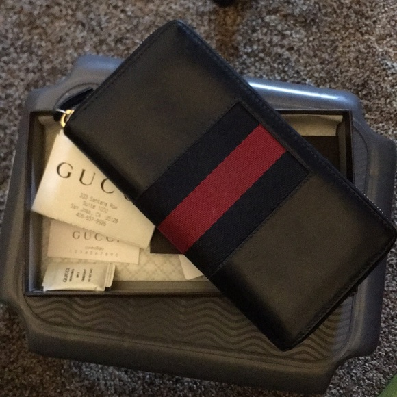 Gucci Other - Gucci Leather Wallet (Large)